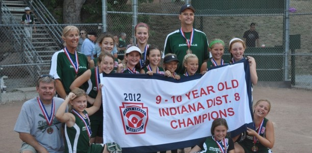 Girls Minor Green Softball wins District 8 Tournament – Advances to State Tourney